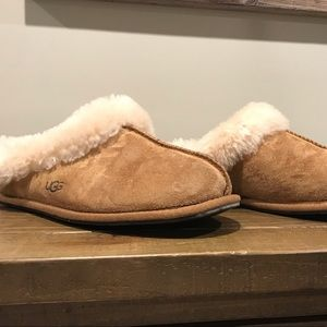 EUC Ugg Slipper/shoe size 8